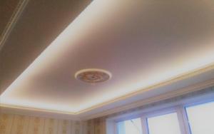 натяжной потолок в гипсокартоновом коробе