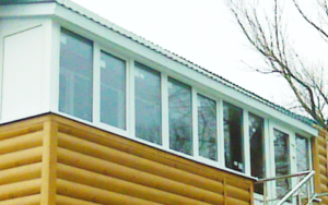 Пристройка к дому балкон