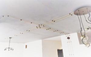 Разводка электрики под натяжной потолок